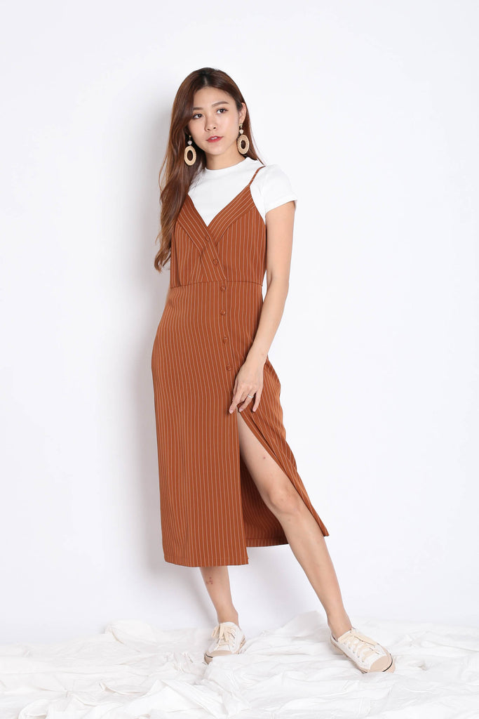 REIGN STRIPES BUTTON DRESS IN CAMEL