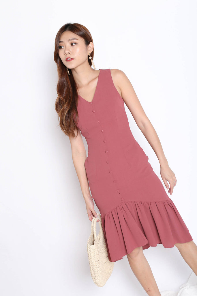 (PREMIUM) FAE BUTTON DROP WAIST DRESS IN TEA ROSE - TOPAZETTE