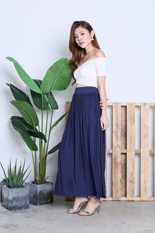 HARTLY PLEATED MAXI SKIRT IN NAVY