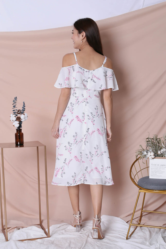 (PREMIUM) GAZELLE FLORAL DRESS IN WHITE - TOPAZETTE