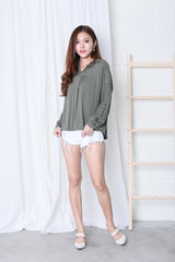CROCHET SLEEVES LOUNGE SHIRT IN OLIVE