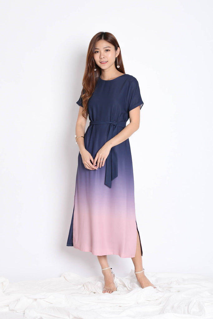 *BACKORDER* (PREMIUM) ANAIS SLEEVED OMBRE MAXI (NAVY/ PINK)