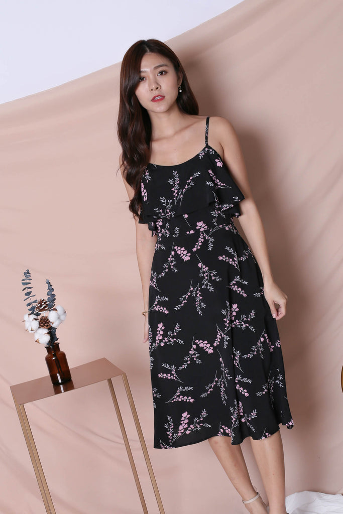 (PREMIUM) GAZELLE FLORAL DRESS IN BLACK - TOPAZETTE