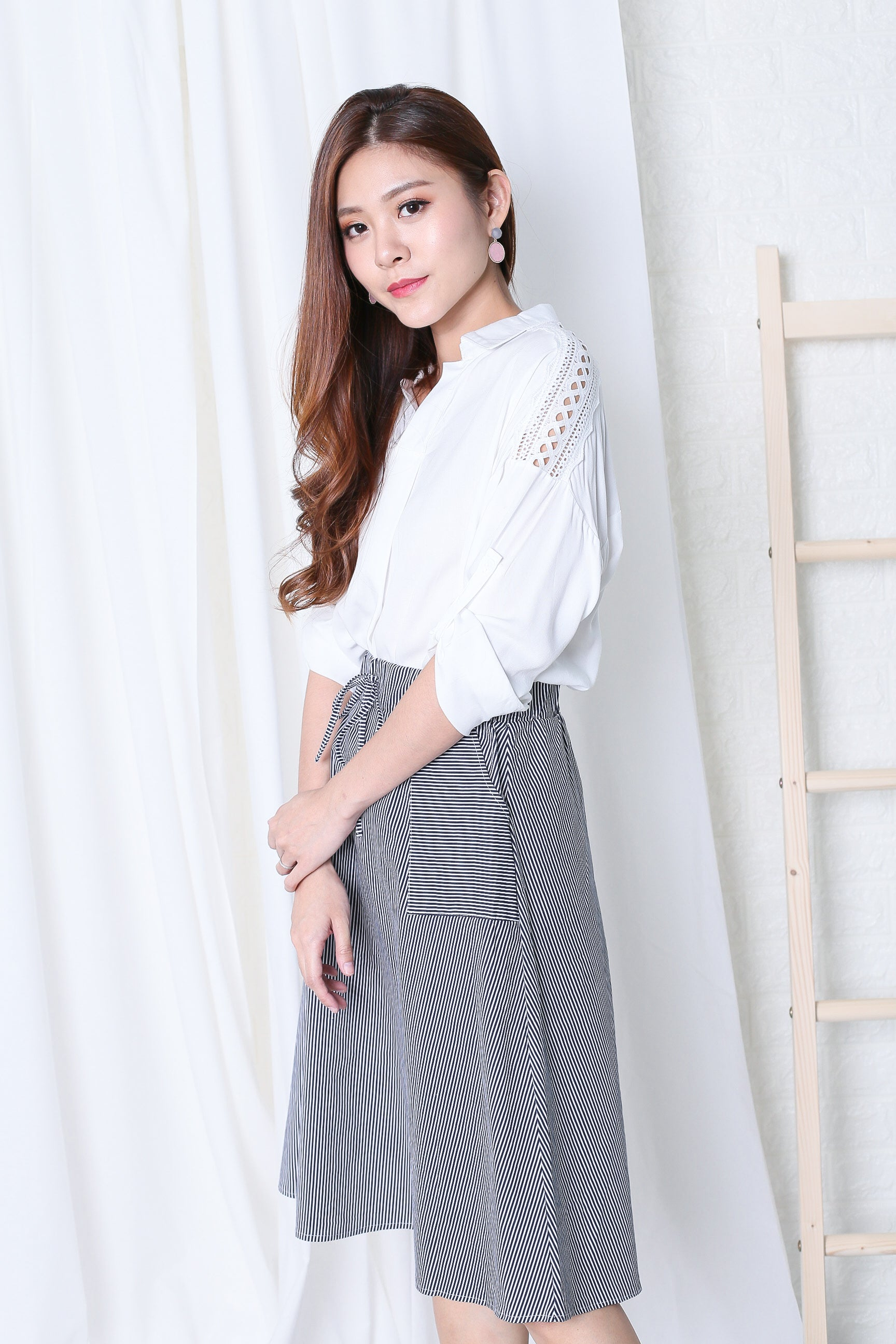 CROCHET SLEEVES LOUNGE SHIRT IN WHITE