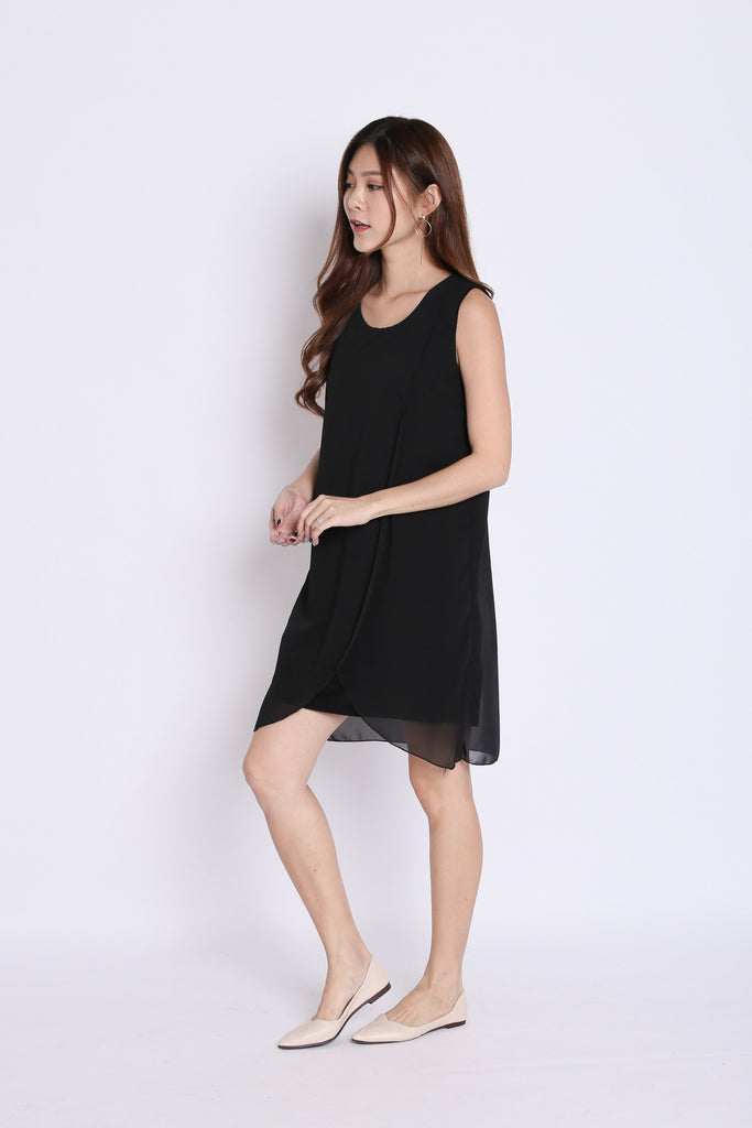 HEATHER OVERLAP DRESS IN BLACK - TOPAZETTE