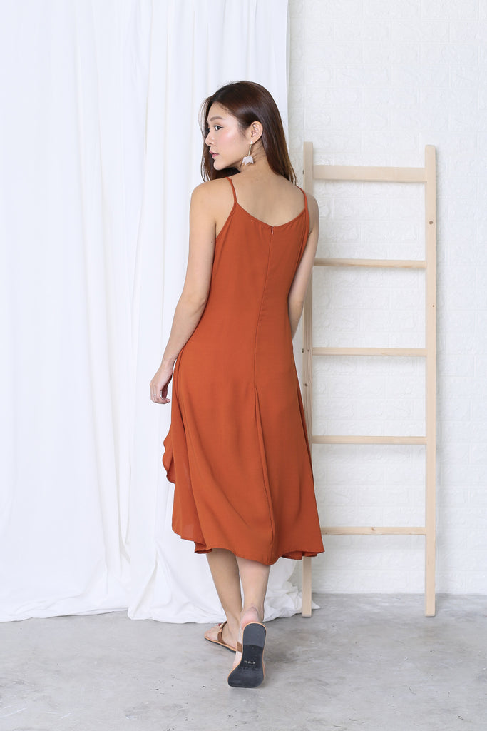 SCRUNCH RUFFLES DRAPE DRESS IN RUST - TOPAZETTE