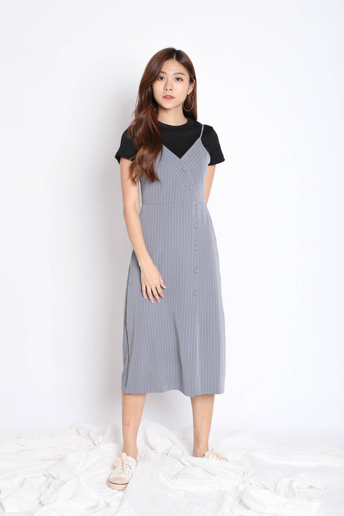 REIGN STRIPES BUTTON DRESS IN GREY - TOPAZETTE