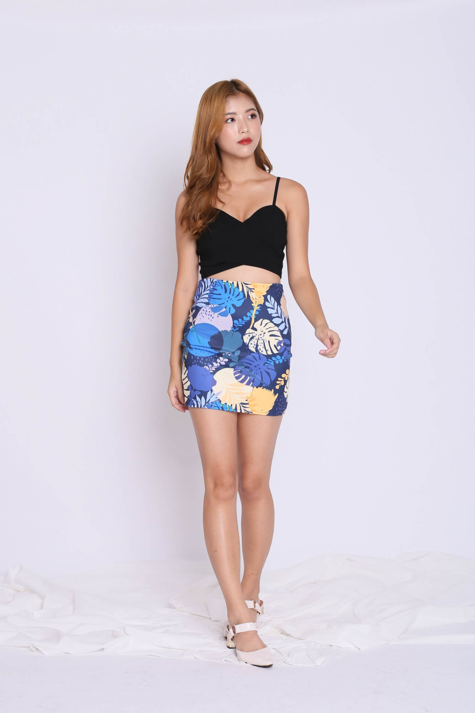 FLORAL CROP TOP (SUMMERY NAVY)