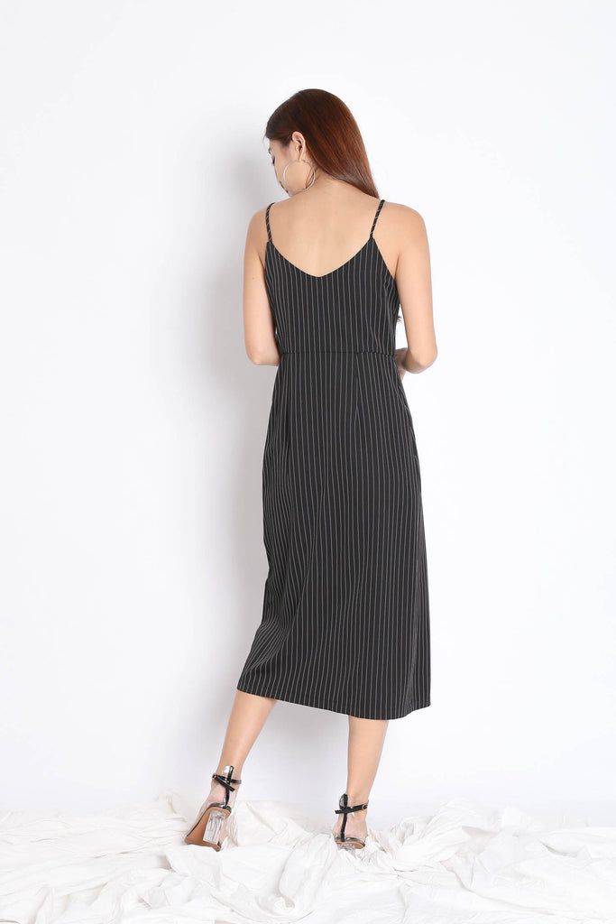 REIGN STRIPES BUTTON DRESS IN BLACK