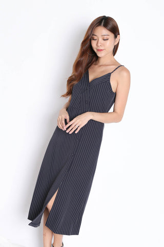 REIGN STRIPES BUTTON DRESS IN NAVY
