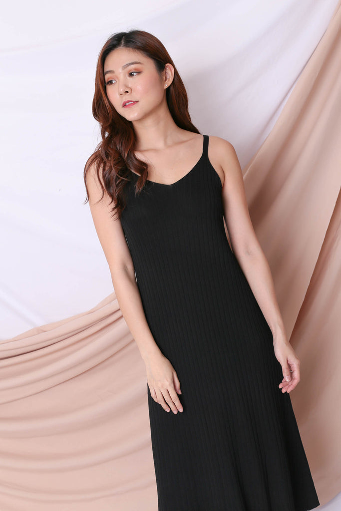 *BACKORDER* LEICA KNIT DRESS IN BLACK