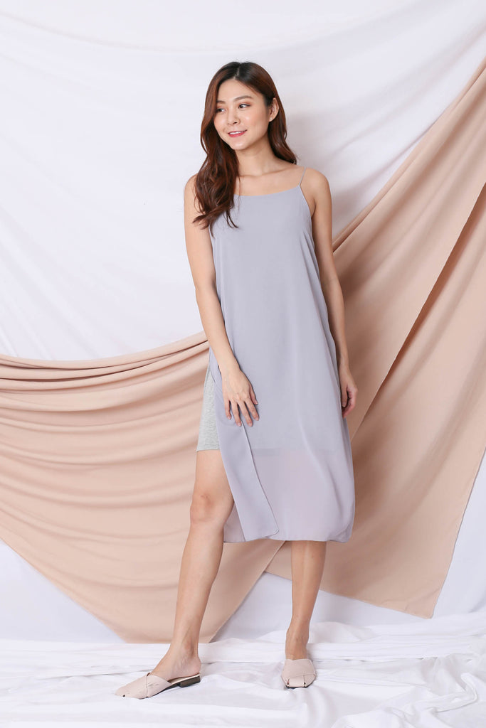 EVA LAYERED DRESS IN LIGHT GREY