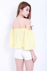 MEANT TO BE OFF SHOULDER TOP IN SUNSHINE - TOPAZETTE