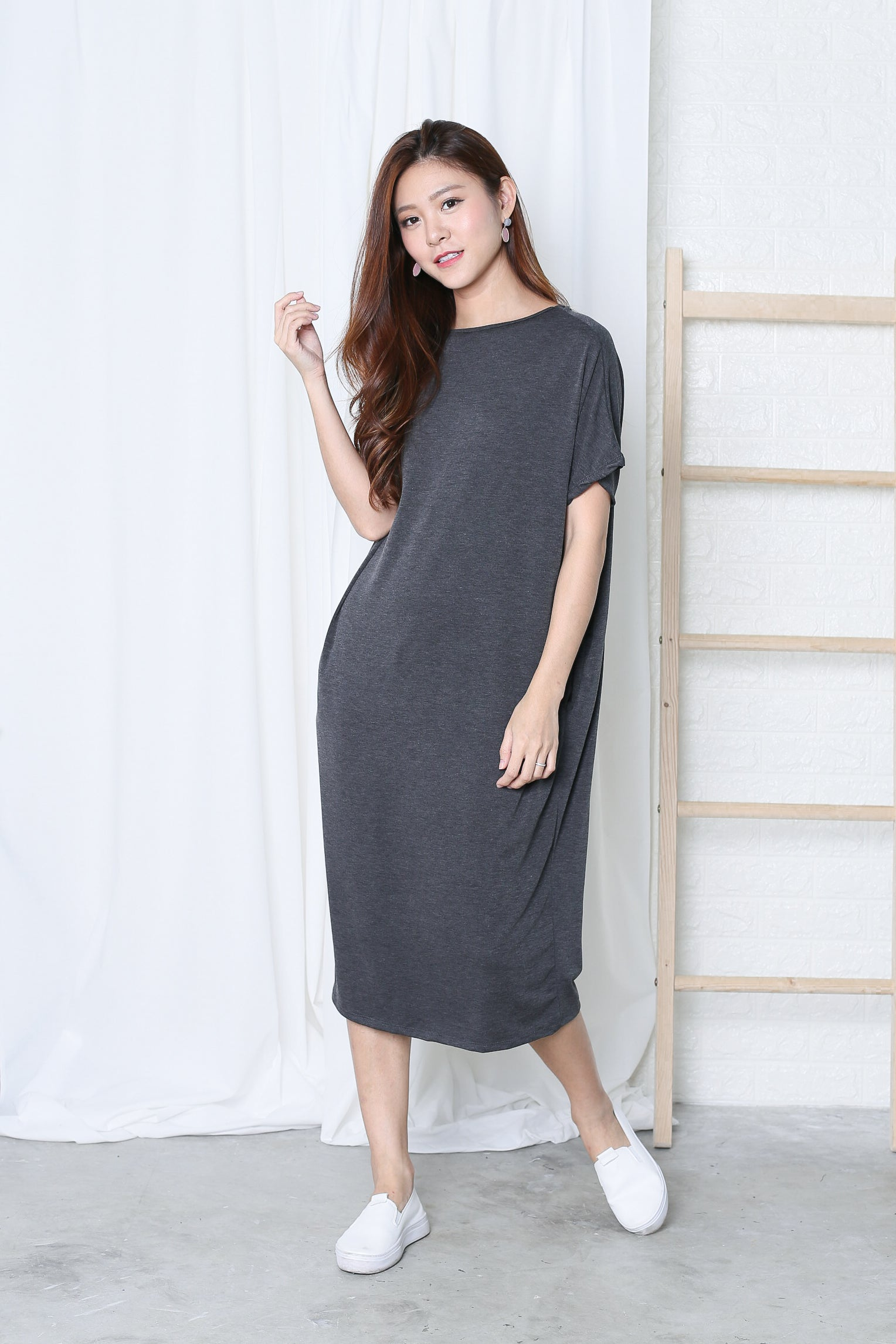 OVERSIZED LOUNGE POCKET DRESS IN DARK GREY