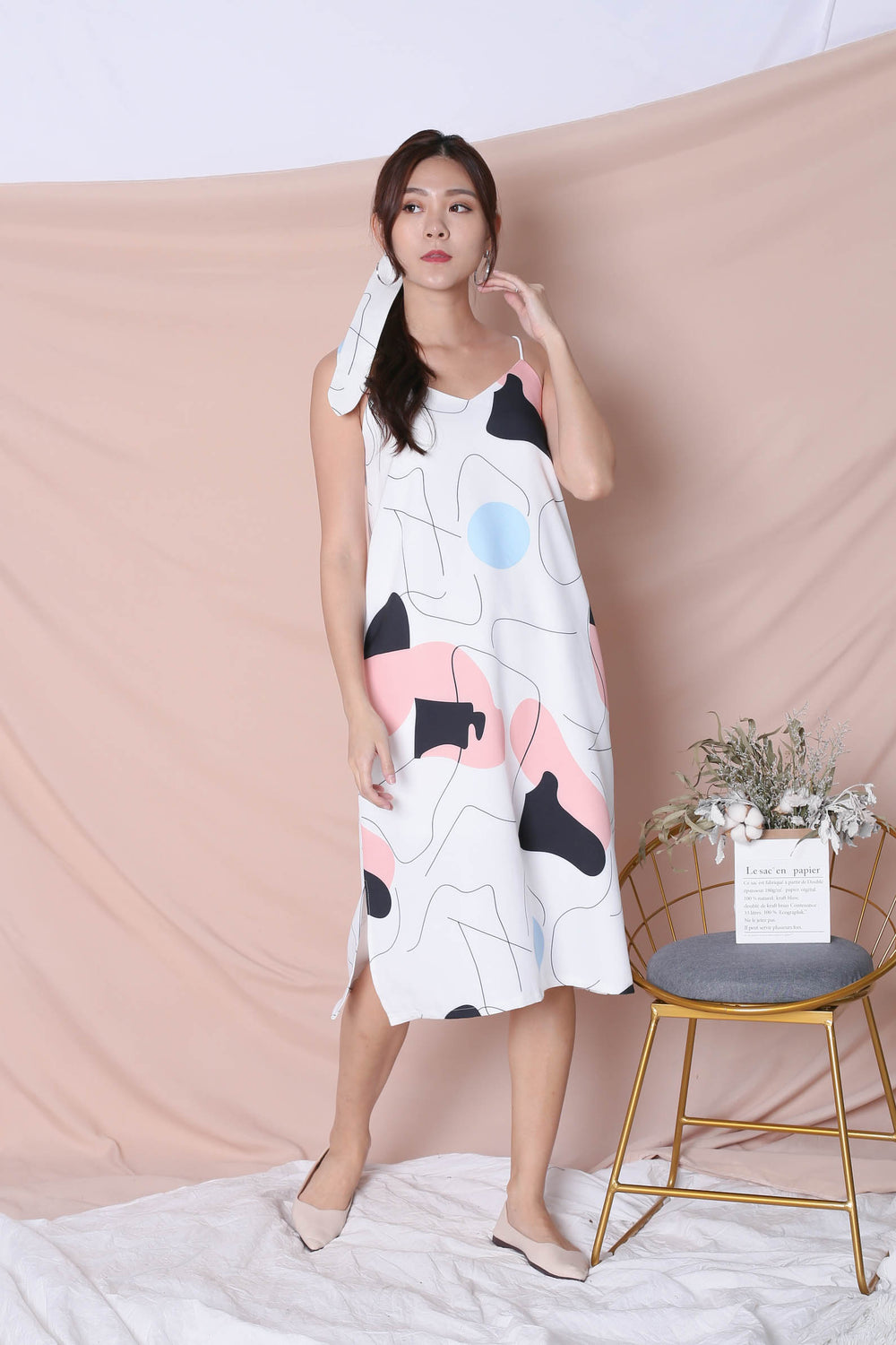 (PREMIUM) SCRIBBLE 2 WAY DRESS IN WHITE