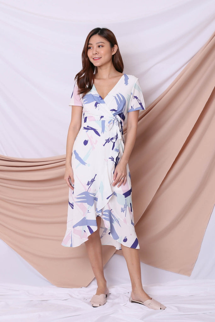 *TPZ* (PREMIUM) PENNY ABSTRACT WRAP DRESS IN WHITE