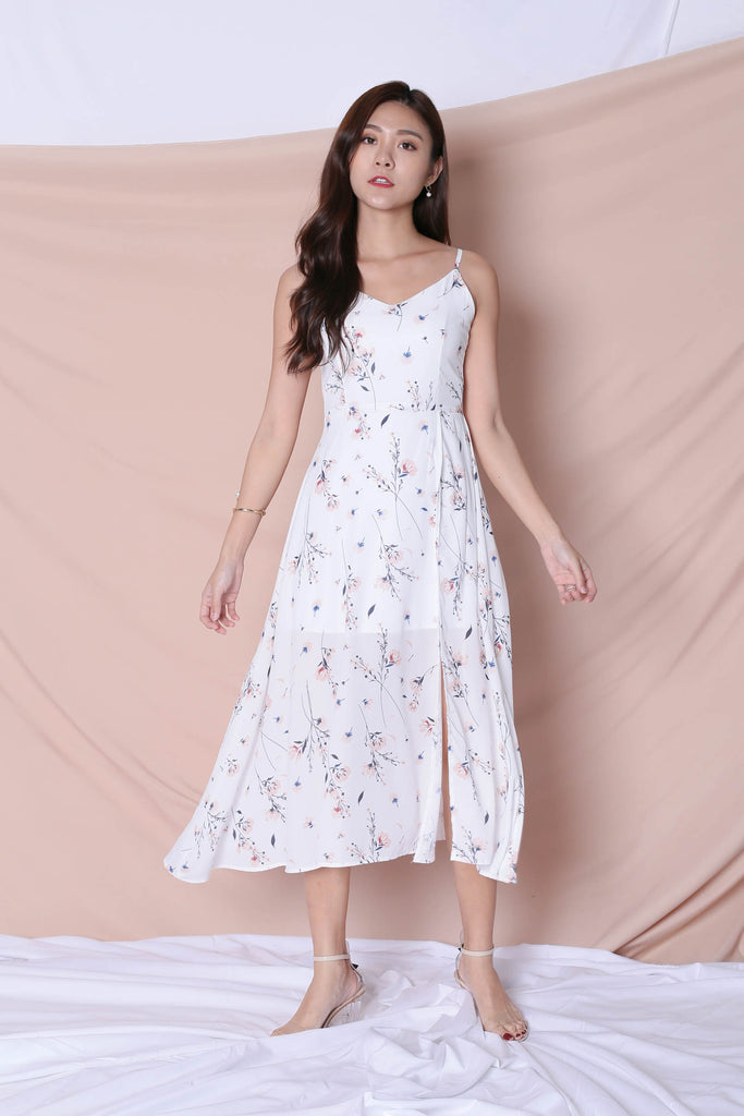 *TPZ* (PREMIUM) SHAILA DRESS IN WHITE FLORALS - TOPAZETTE