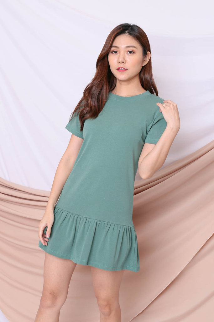 BASIC COTTON DROP WAIST DRESS IN PASTEL GREEN