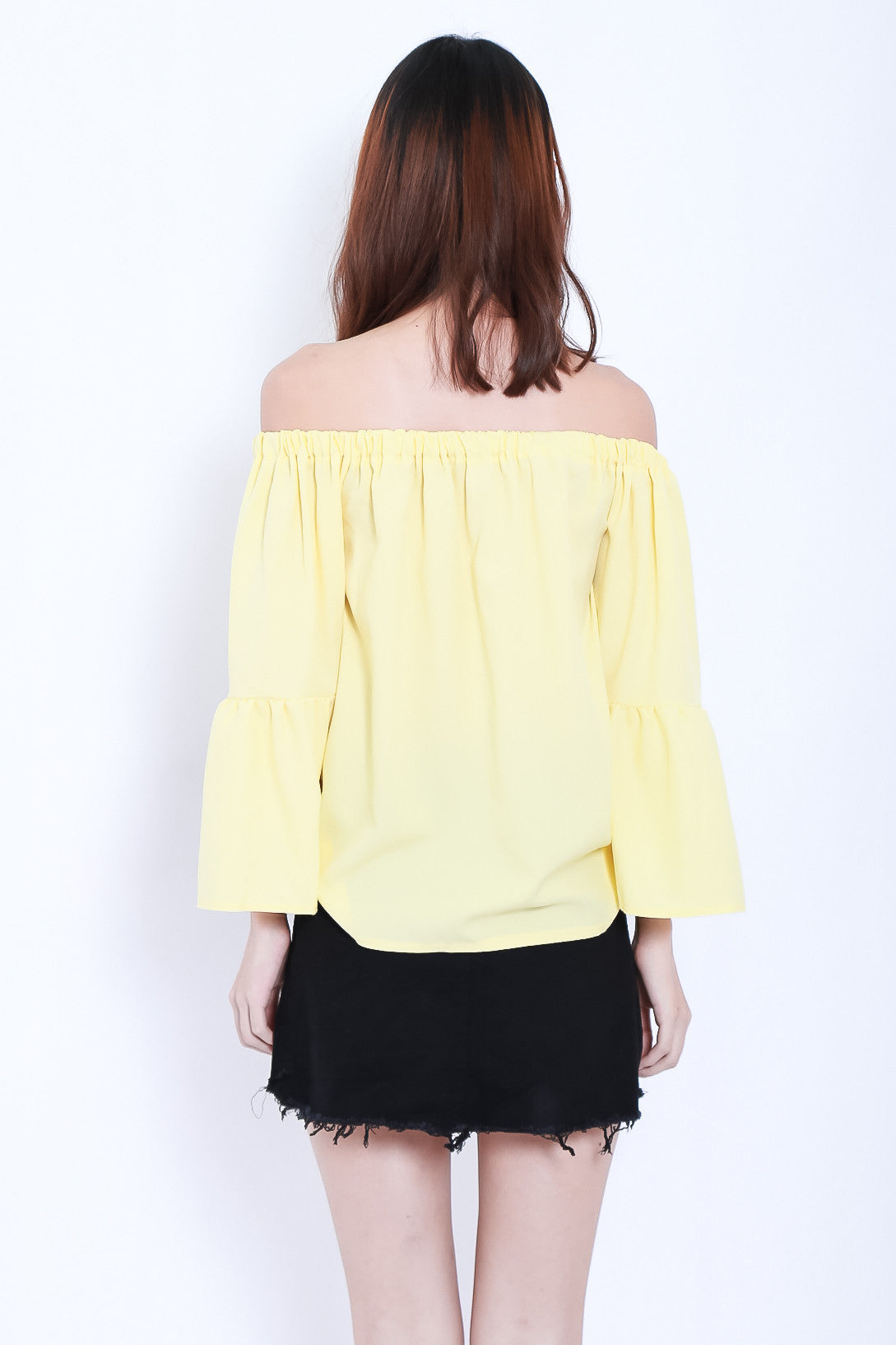 CLOSE ENOUGH OFF SHOULDER TOP IN SUNSHINE - TOPAZETTE