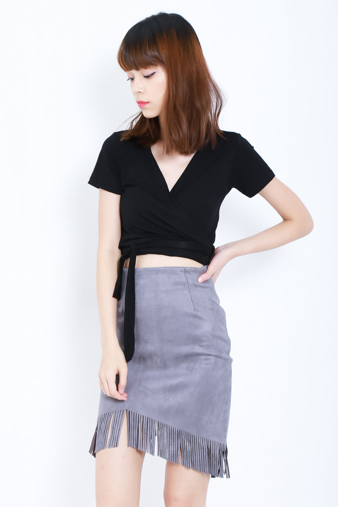 SUEDE FRINGE SKIRT IN GREY - TOPAZETTE