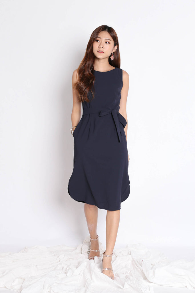(PREMIUM) UNICE MIDI DRESS IN NAVY