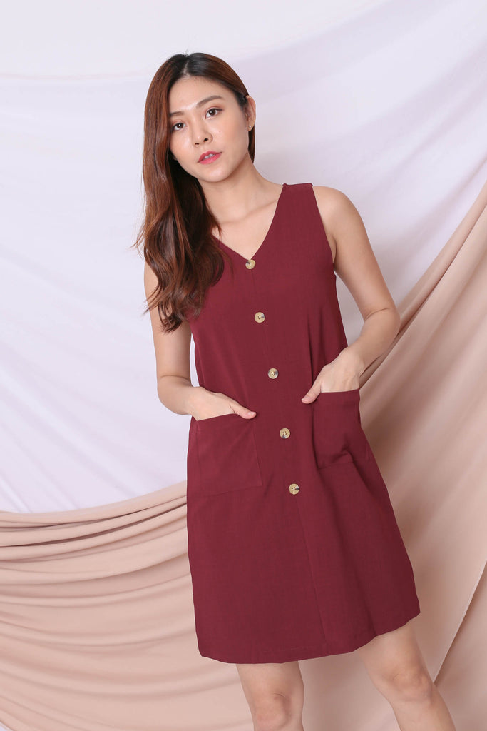 (PREMIUM) GEN TEXTURED DRESS IN BURGUNDY