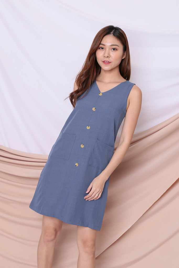 (PREMIUM) GEN TEXTURED DRESS IN BLUE