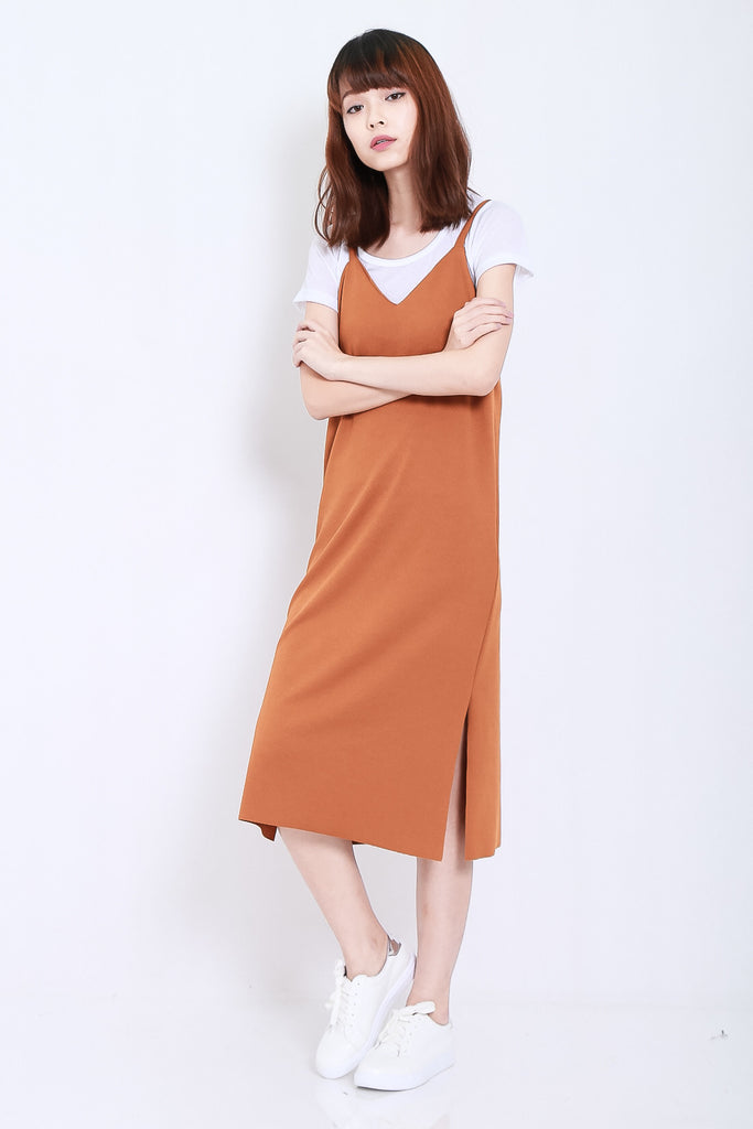 EASY SLIP MIDI DRESS SET IN CAMEL - TOPAZETTE