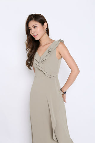 (PREMIUM) TALYSE JUMPSUIT IN SAGE GREEN
