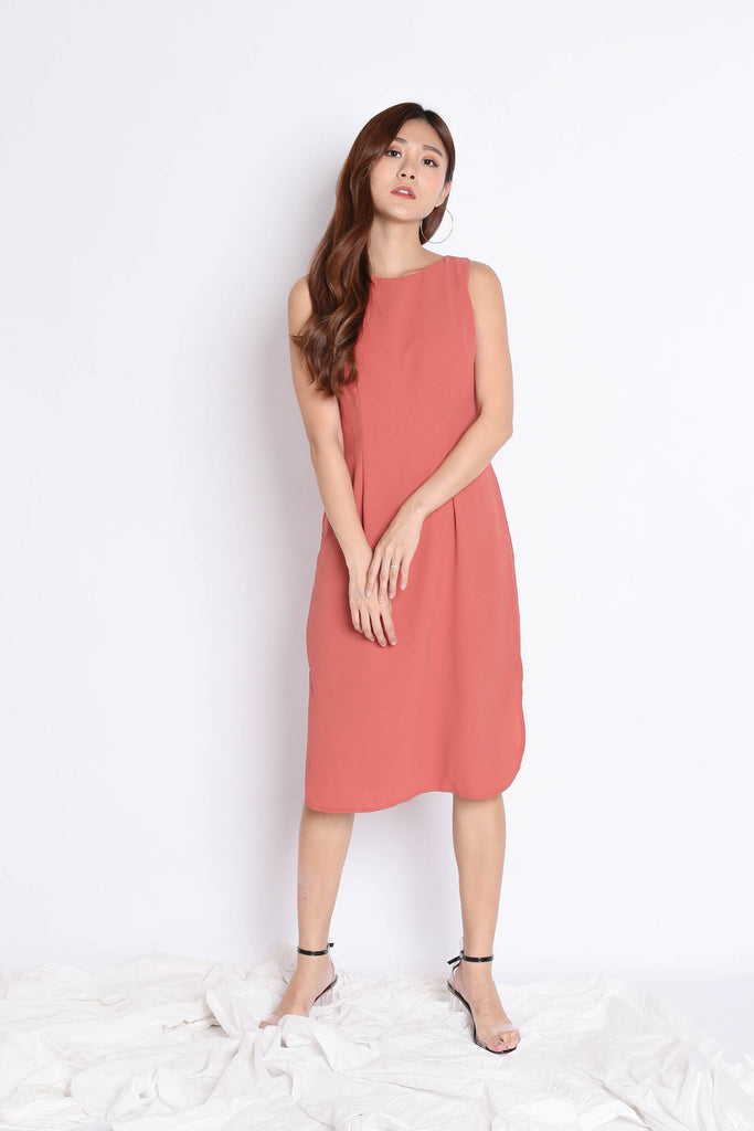 (PREMIUM) UNICE MIDI DRESS IN TEA ROSE