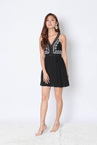 DAHLIA EMBROIDERY DRESS IN BLACK