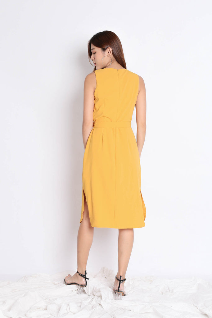 (PREMIUM) UNICE MIDI DRESS IN MARIGOLD