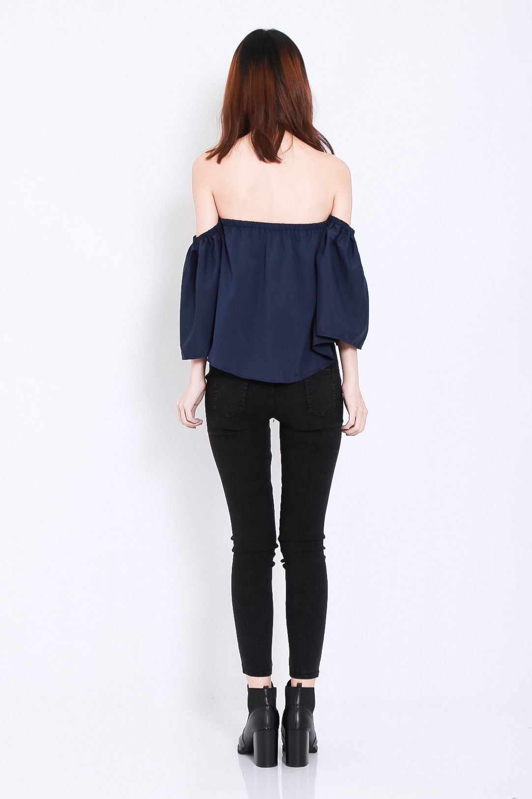 MEANT TO BE OFF SHOULDER TOP IN NAVY - TOPAZETTE