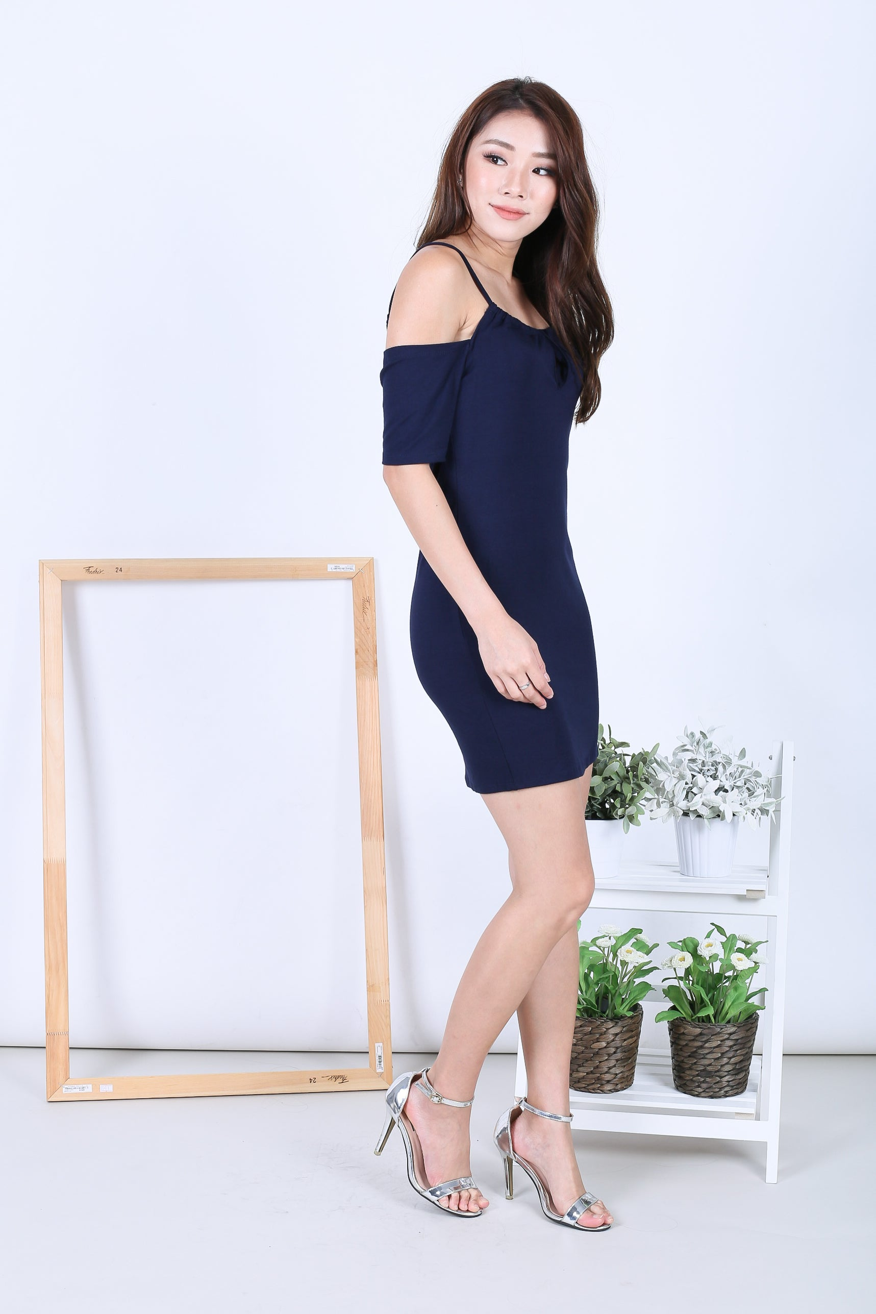 *RESTOCKED* KEYHOLE REVERSIBLE DRESS IN NAVY