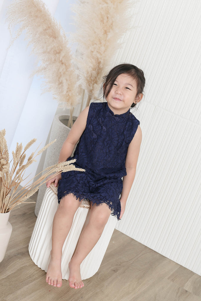 *LITTLE TOPAZETTE* ANQI CHEONG SAM IN NAVY
