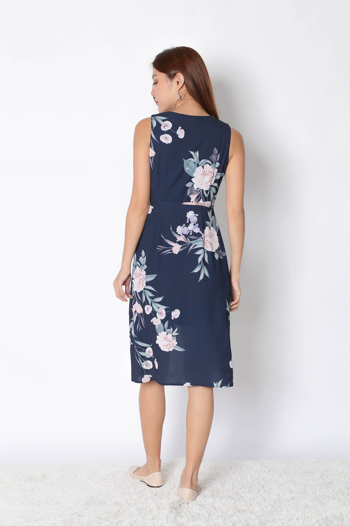 *TPZ* (PREMIUM) UZE WRAP DRESS IN NAVY FLORALS - TOPAZETTE