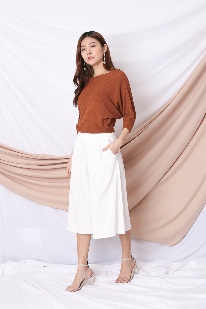 YONA KNIT TOP IN CAMEL