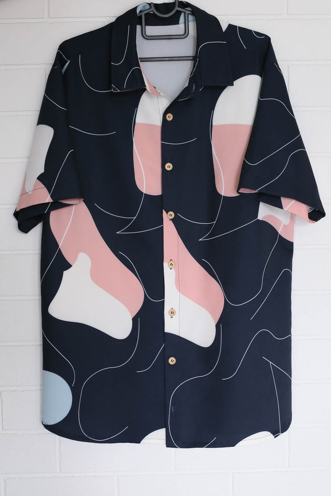 (PREMIUM) SCRIBBLE UNISEX SHIRT IN NAVY - TOPAZETTE