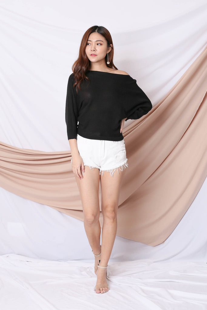 YONA KNIT TOP IN BLACK