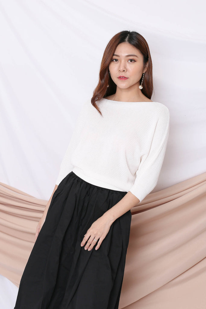 YONA KNIT TOP IN WHITE