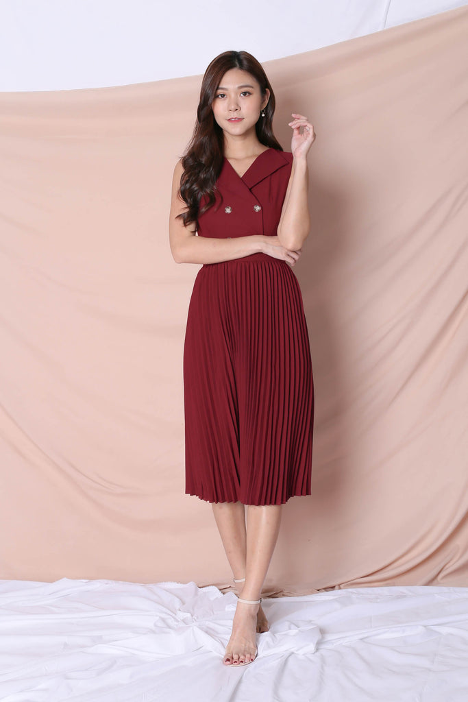 *TPZ* (PREMIUM) JEN TUXEDO PLEATED DRESS IN BURGUNDY - TOPAZETTE