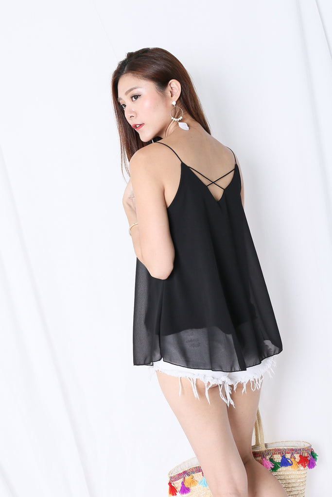CRISS CROSS SPAG TOP IN BLACK