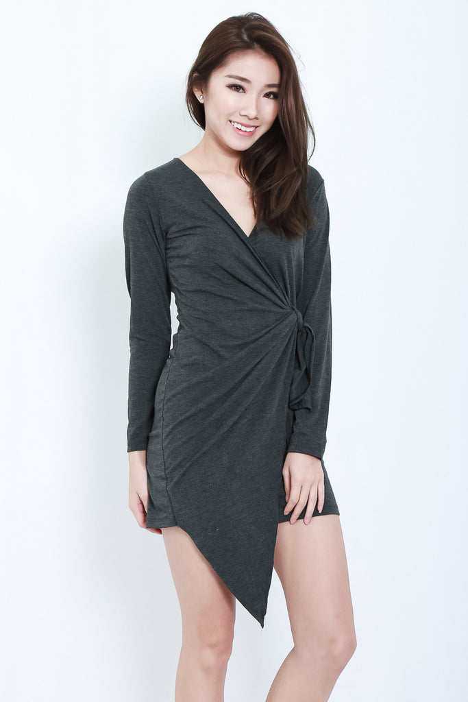 (RESTOCKED) DRAPE WRAP DRESS IN DARK GREY - TOPAZETTE