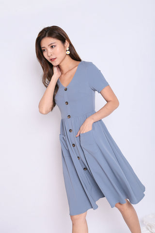 *TPZ* (PREMIUM) SARIELLE BUTTON POCKET MIDI IN STALE BLUE