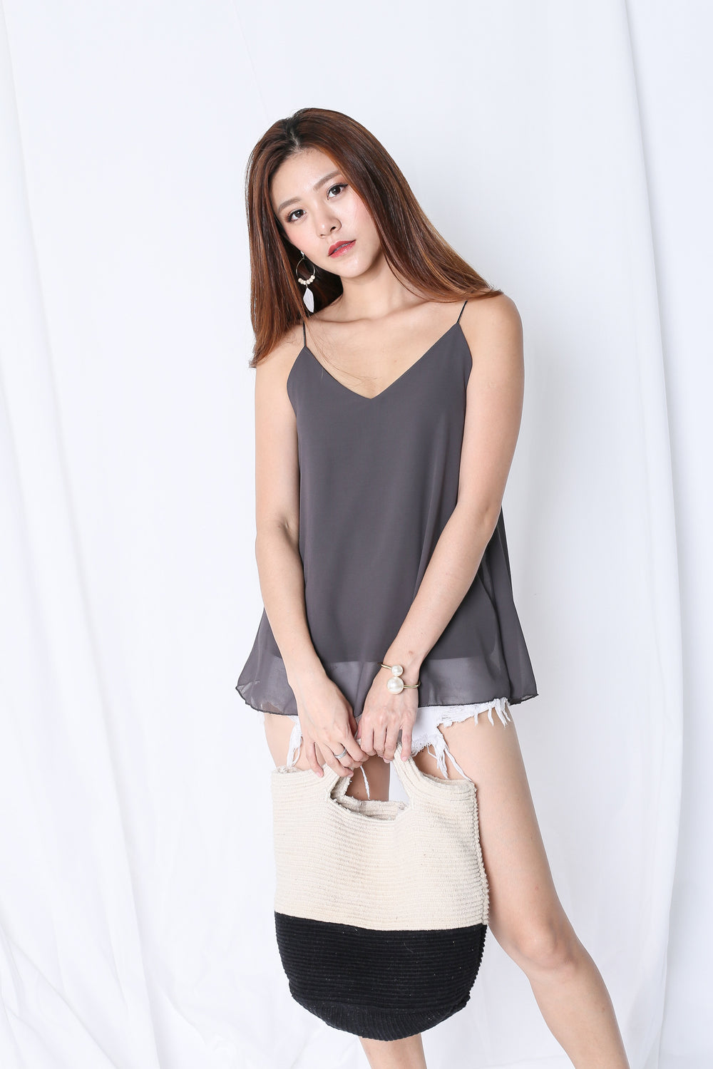CRISS CROSS SPAG TOP IN METAL GREY