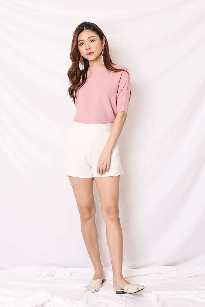 HILA TOP IN BABY PINK