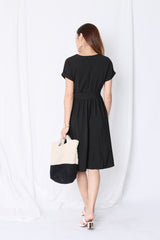 (PREMIUM) HANNAH POCKET MIDI DRESS IN BLACK