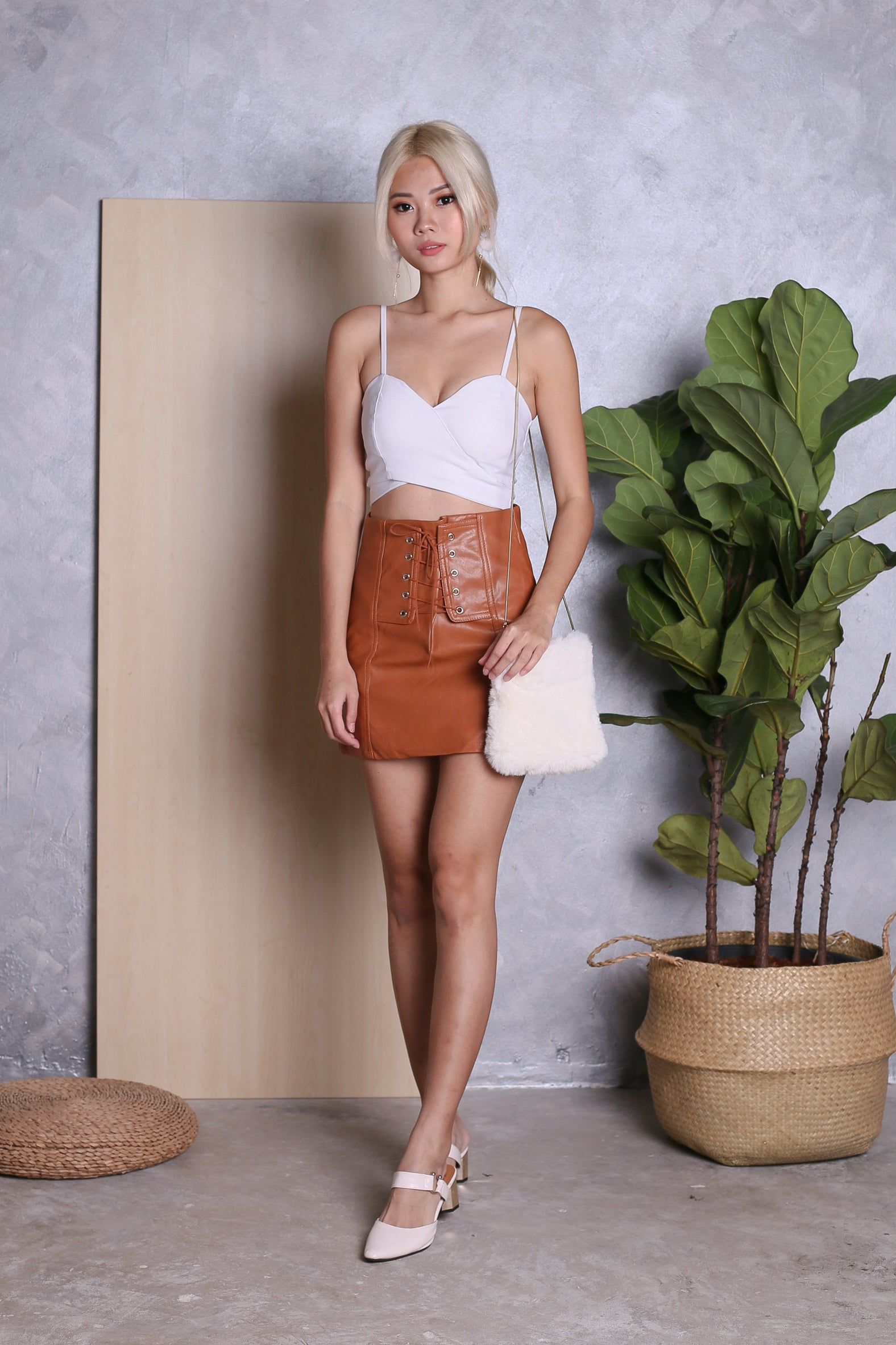 BRITT LACED UP LEATHER SKIRT IN CAMEL