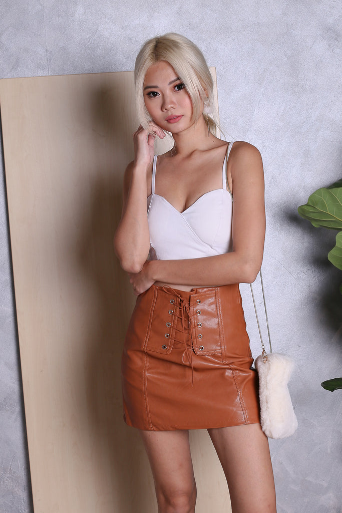 BRITT LACED UP LEATHER SKIRT IN CAMEL - TOPAZETTE