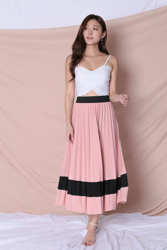 YSO PLEATED COLOURBLOCK SKIRT IN PINK
